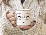 EMAILLE BECHER Retro Tasse MISS MOLLY MIT BRILLE Freundin...